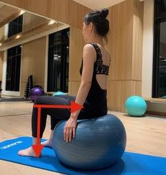 PBT瑜珈球正確坐姿